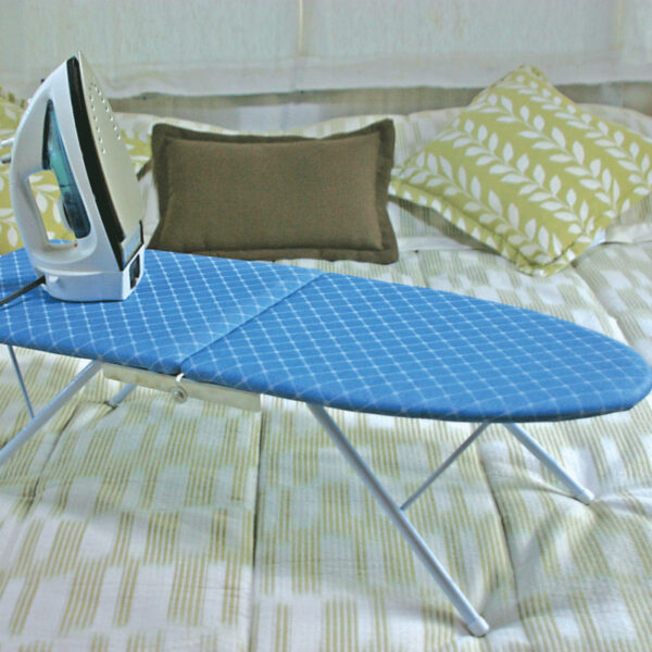 2.Ironing-Board—folds-down-for-storage